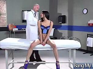 Titten Doktor Fucks Patient Groß lady doctor